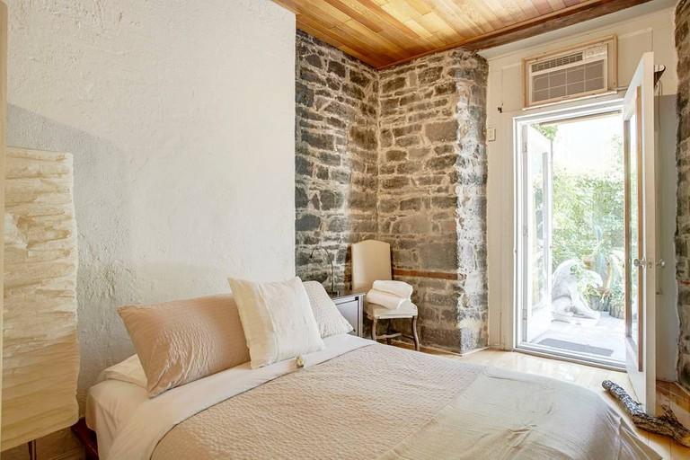 Historic 18th-Century Apartment in Old Montrea