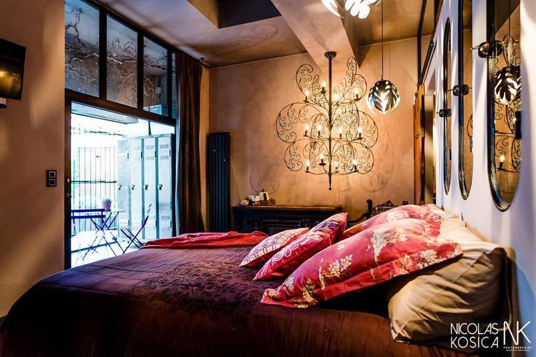 The Mauve Room with steam bath