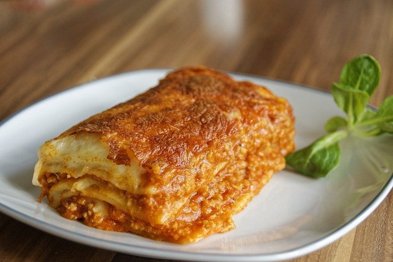 https://pixabay.com/en/lasagna-pasta-noodles-eat-food-2272454/