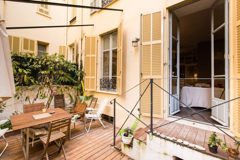 The roof terrace in the little apartment in Nice  © Airbnb