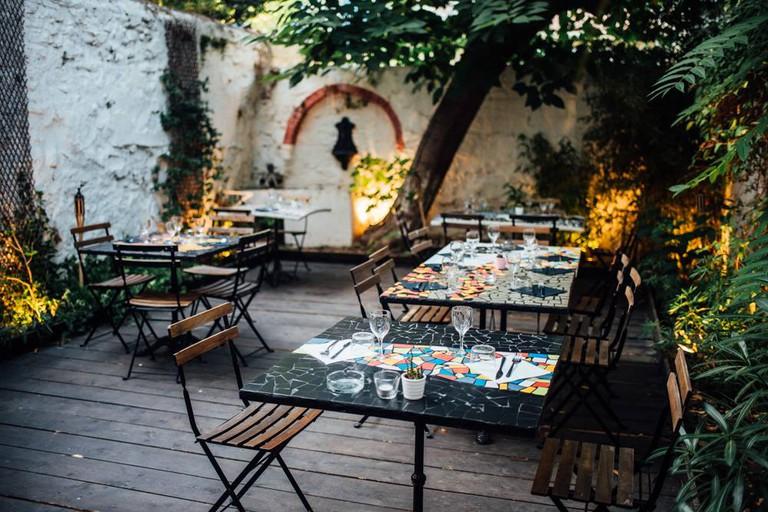 El Picoteo's terrace |© Courtesy of El Picoteo