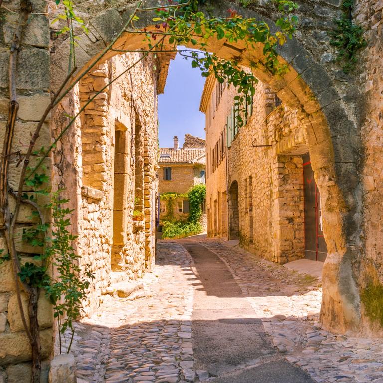Medieval Vaison-la-Romaine |© Dar1930 / Shutterstock