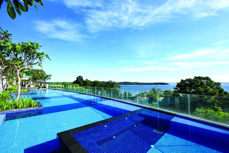 Singapore Village Hotel Changi Infinity Pool
