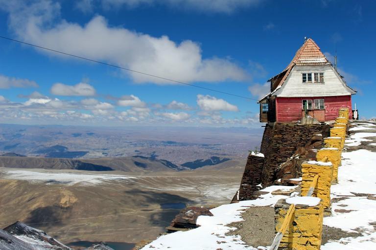Nevado Chacaltaya hiking la paz