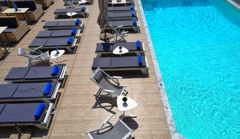 The RoofTop Piscina at Capsis Hotel, Thessaloniki