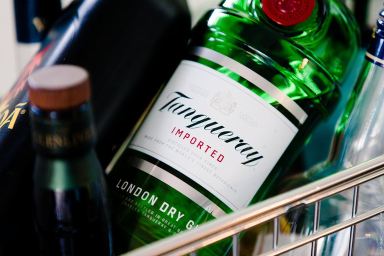 It's always Tanqueray time at this Garden Bar