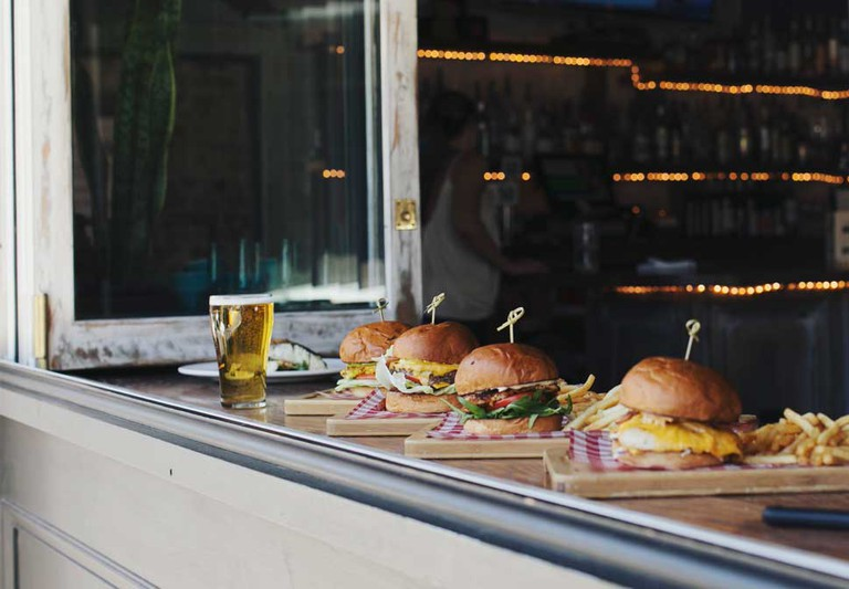 Burgers and beer at the Village Inn © Village Inn