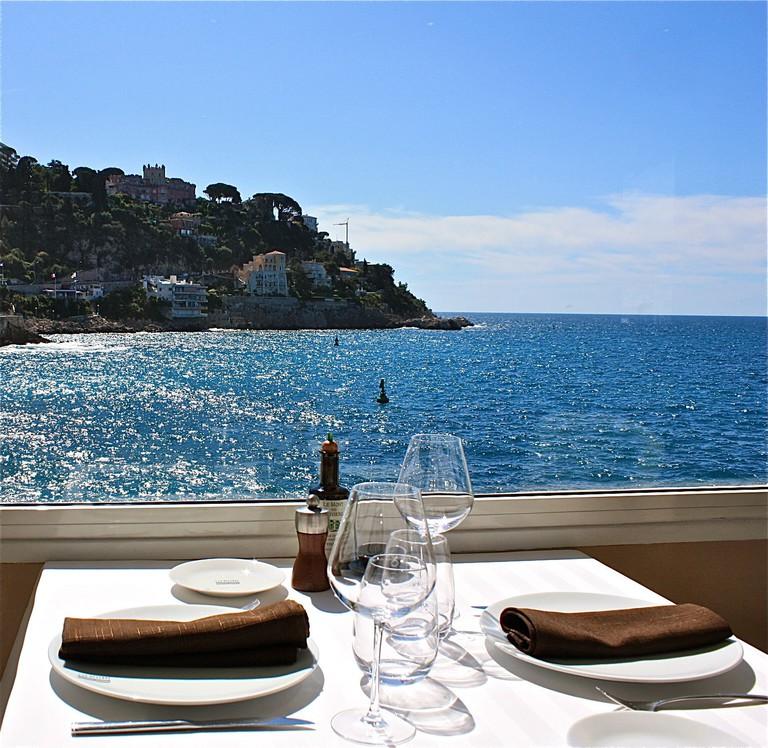 A table at La Réserve de Nice |© Courtesy of La Réserve de Nice