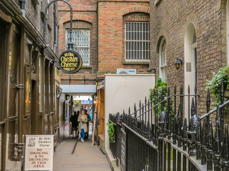Ye Olde Cheshire Cheese, London. Editorial use only