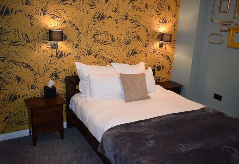 Guest room at Fitzrovia Belle Public House & Hotel