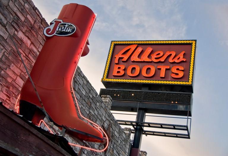 South Congress Avenue (SoCo) landmark, Allens Boots. Austin, Texas, USA.