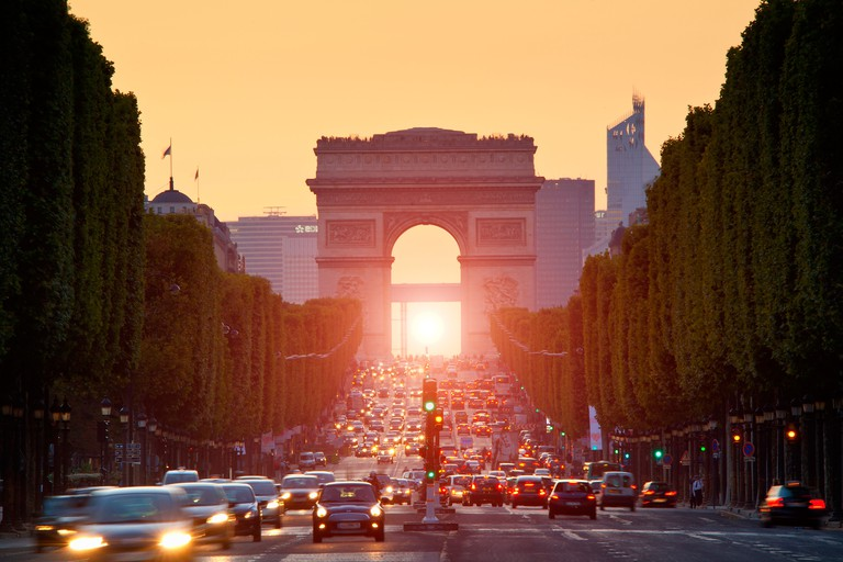 Admire the light show on the Champs-Élysées
