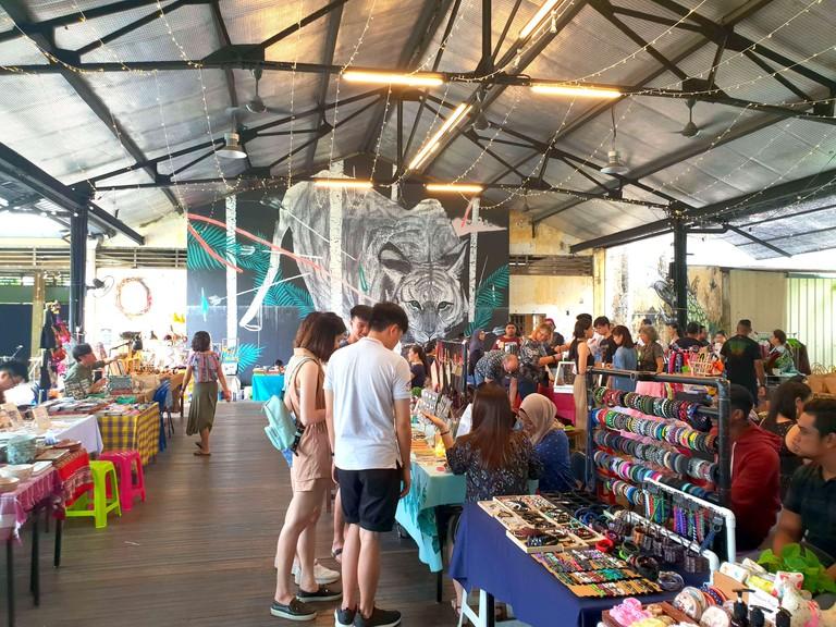 Hin Bus Sunday Pop-Up Market