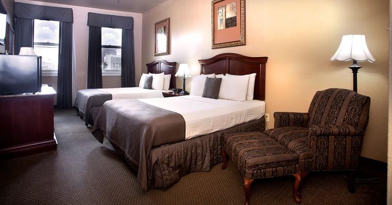 O'Brien Riverwalk Hotel