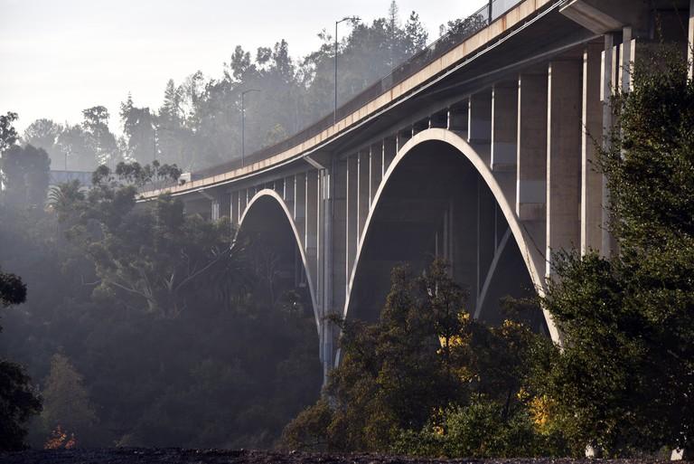 Bridge in Pasadena California known as the suicide bridge