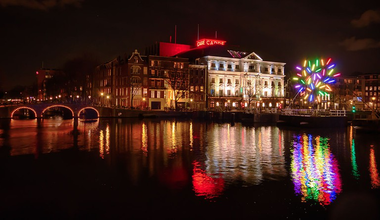 1200px-Amsterdam_Carre_Theatre_featuring_Big_Tree_by_Jacques_Rival_2