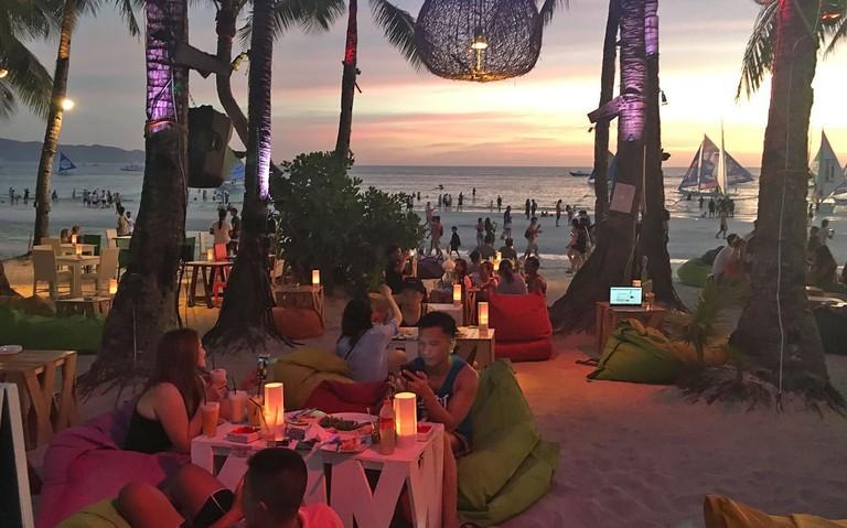 aplaya-beach-bar-2