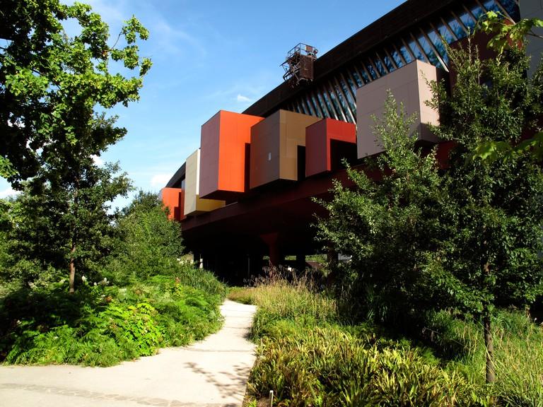 Musee du quai Branly, Paris, France Musee des arts et civilisations d'Afrique, d'Asie, d'Oceanie et des Ameriques. Architect Jea