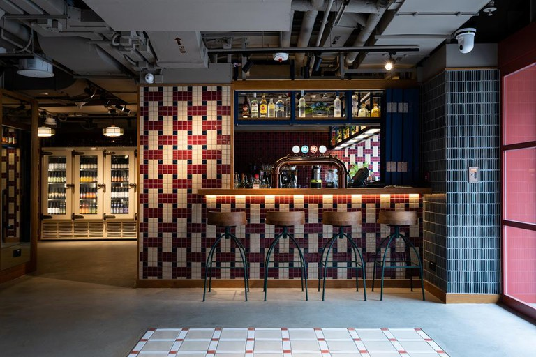 Eaton HK bar © Hotels.com