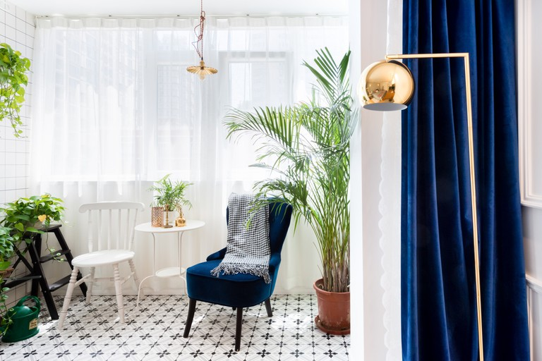 French retro apartment © Airbnb