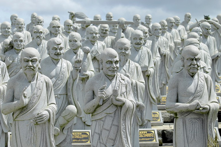 Temple with 1000 Statues Face in Bintan