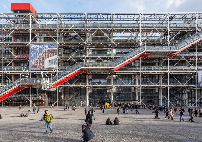 Centre Pompidou, Centre national d?art et de culture Georges Pompidou, Beaubourg,  high-tech or brutalist architecture by Renzo Piano and Richard Roge