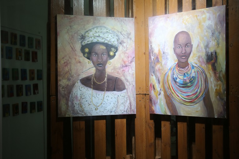 4Waru Studio is an experimental laboratory of artistic disciplines