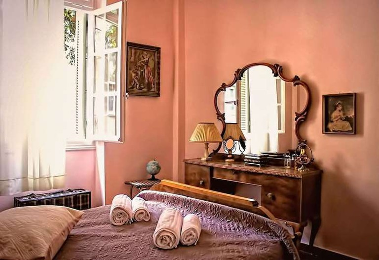 Guest room at Athens Quinta