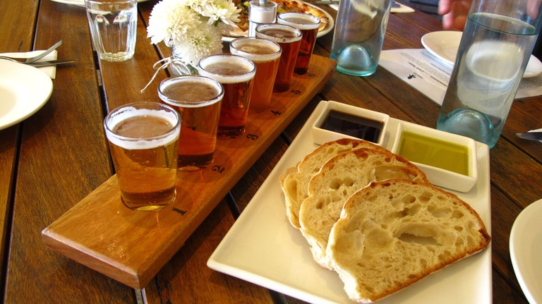 Beer at Eagle Bay Brewing Company © Tourism Western Australia