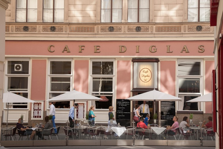 Café Diglas on Wollzeile road opened its doors in 1923