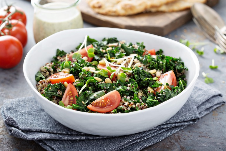 Kale and quinoa salad with tomatoes