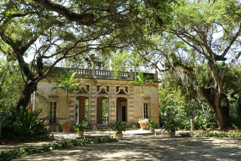 English: Casino - Vizcaya Museum and Gardens - Miami, Florida, USA. 13 March 2017, 12:42:46 61 Casino - Vizcaya Museum and Gardens - Miami, Florida - DSC08681