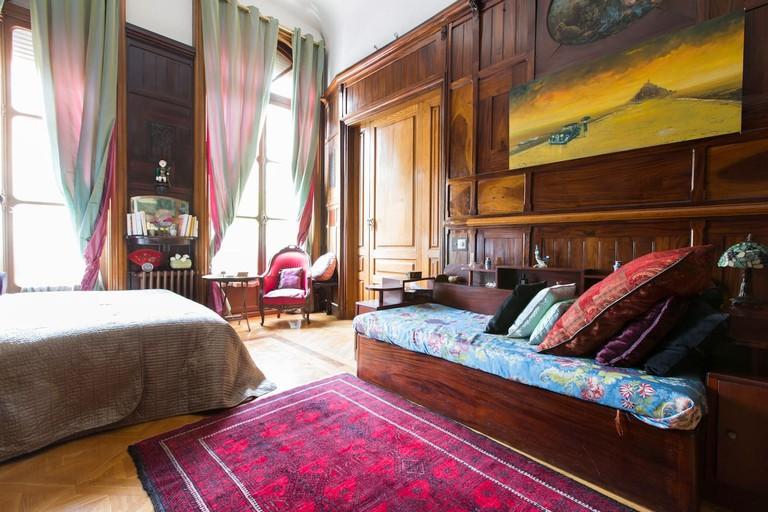 Five-bedroom mansion
