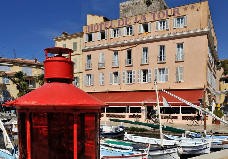 Enjoy great-value rooms and good food at the Hôtel de la Tour
