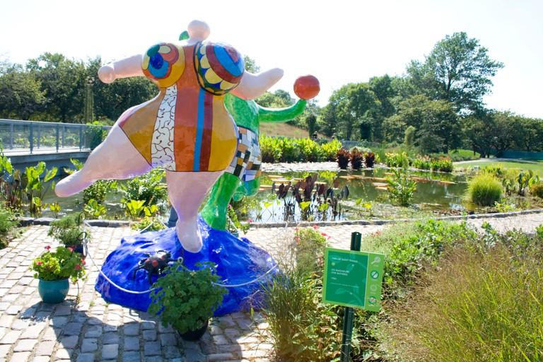 Les Baigneurs (The Bathers) 1983 sculpture. Niki de Saint Phalle (1930-2001) Garfield Park Conservatory. Chicago Illinois IL USA