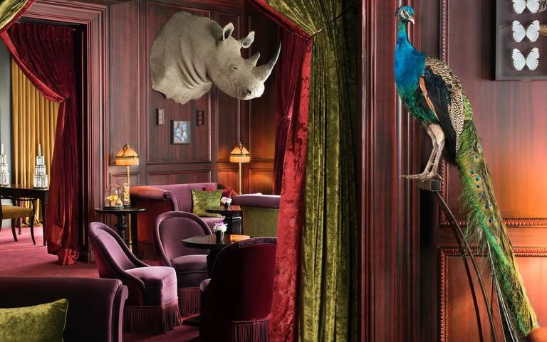 Hôtel Barrière Le Fouquet's is the brainchild of a collaboration between architects Édouard François and Jacques Garcia