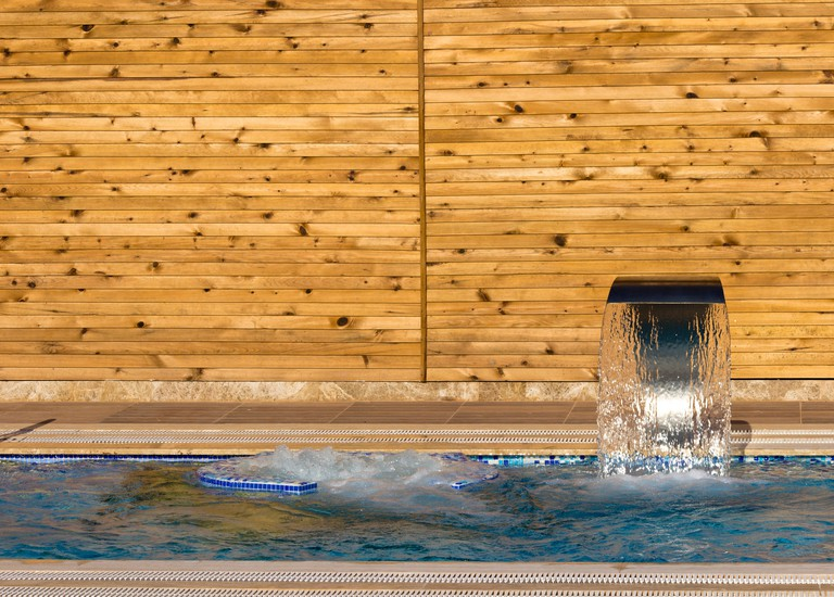 Hydrotherapy can alleviate muscle and joint pain