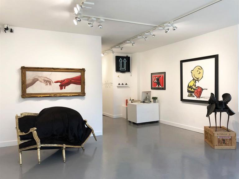 hang-up-gallery-09-18-upstairs1