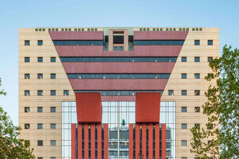 Portlandia, Portland building