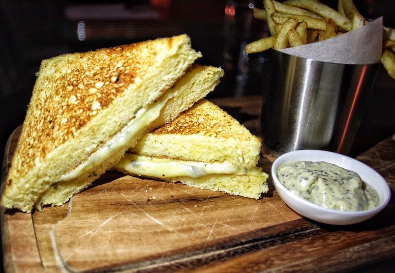 EMPLOYEES-ONLY-HONG-KONG-cheese-sandwich