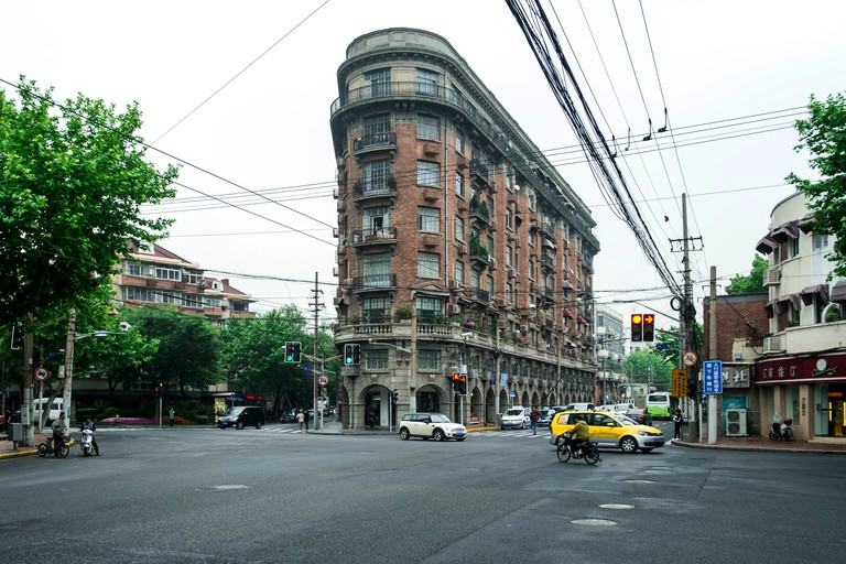 Hungarian-Slovak architect László Hudec designed the Wukang Mansion