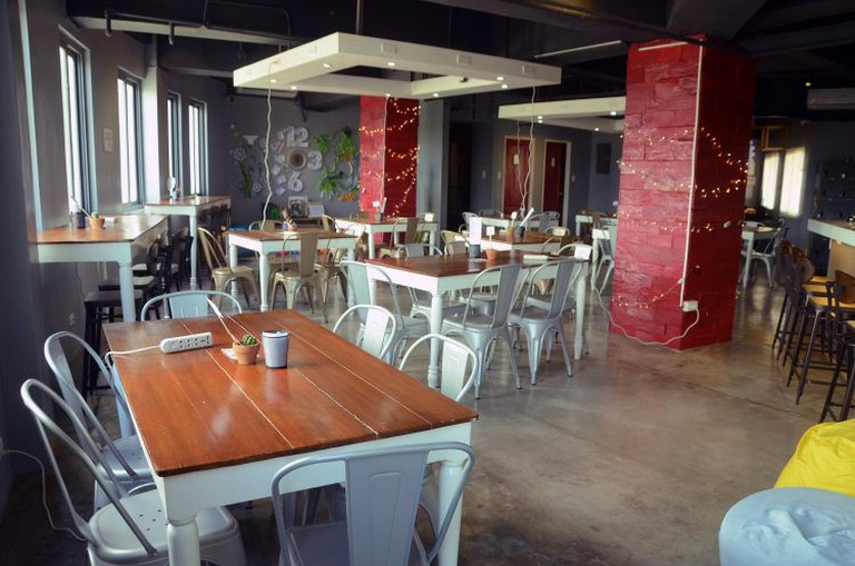 Diligence Cafe Interiors