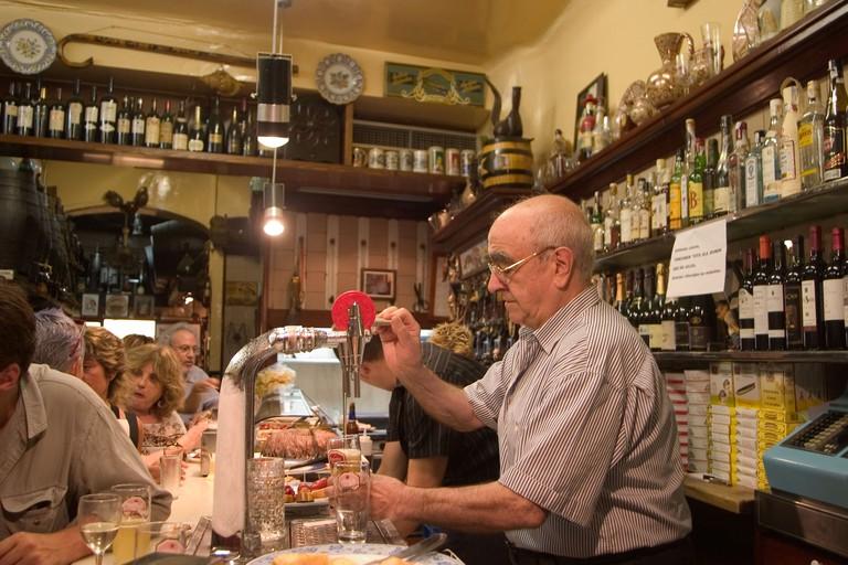 Champagner-Bar El Xampanyet in the Born quarter in Barcelona, Barcelona, Catalonia, Spain, Europe, EU. Image shot 2007. Exact date unknown.