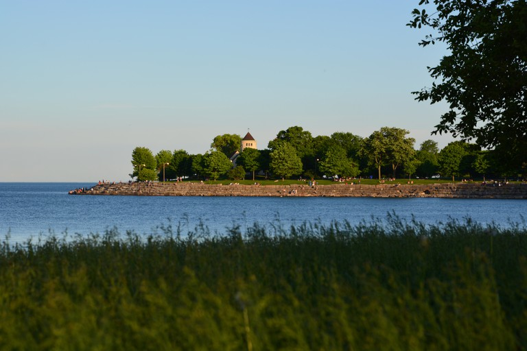 Promontory Point on the Lake Michigan shoreline park at sunset from the Hyde Park neighborhood on Chicago's south side