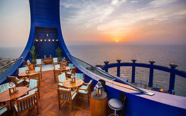 Private dining suites with sea views