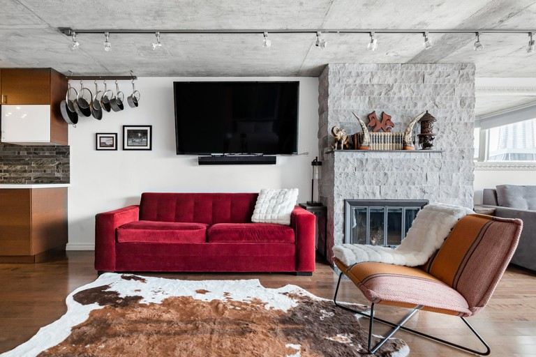 Sun Kissed High-End King West Condo © Airbnb