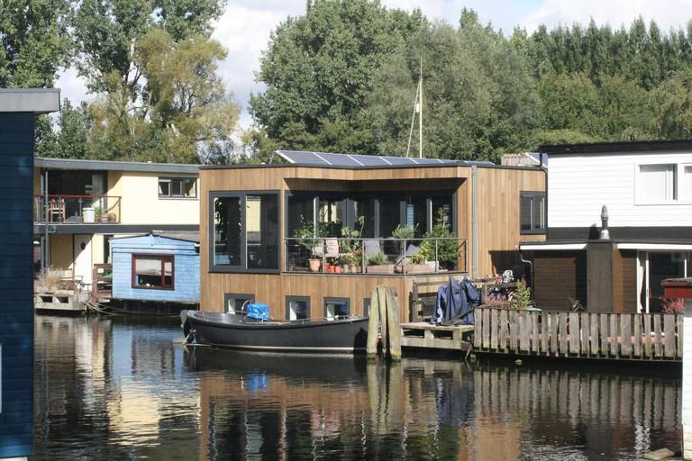 Houseboat Nova