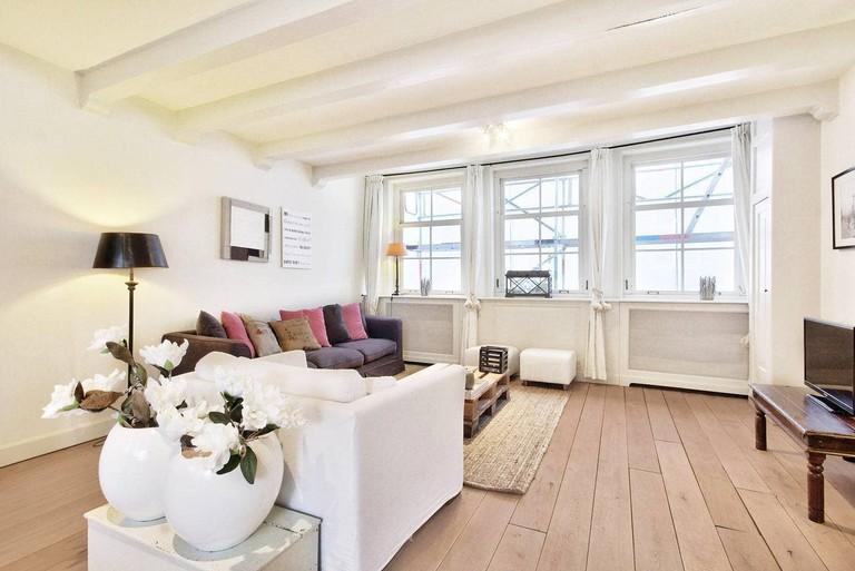 Two-bedroom open-plan apartment