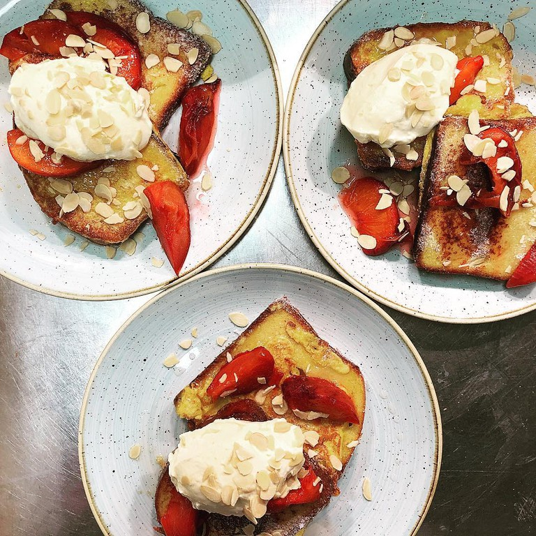 Choose from a variety of sweet and savoury brunch dishes at 3fe