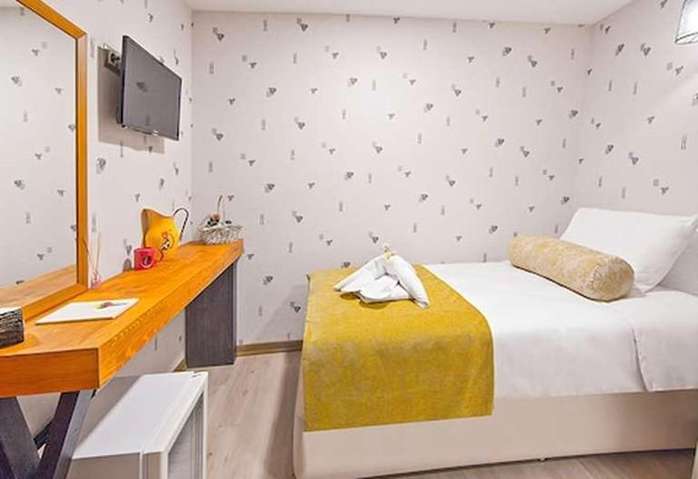 Kuzen Otel has just 12 rooms